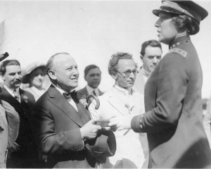 Laura Oakley opening of Univ City with Carl Laemmle 1915[1]